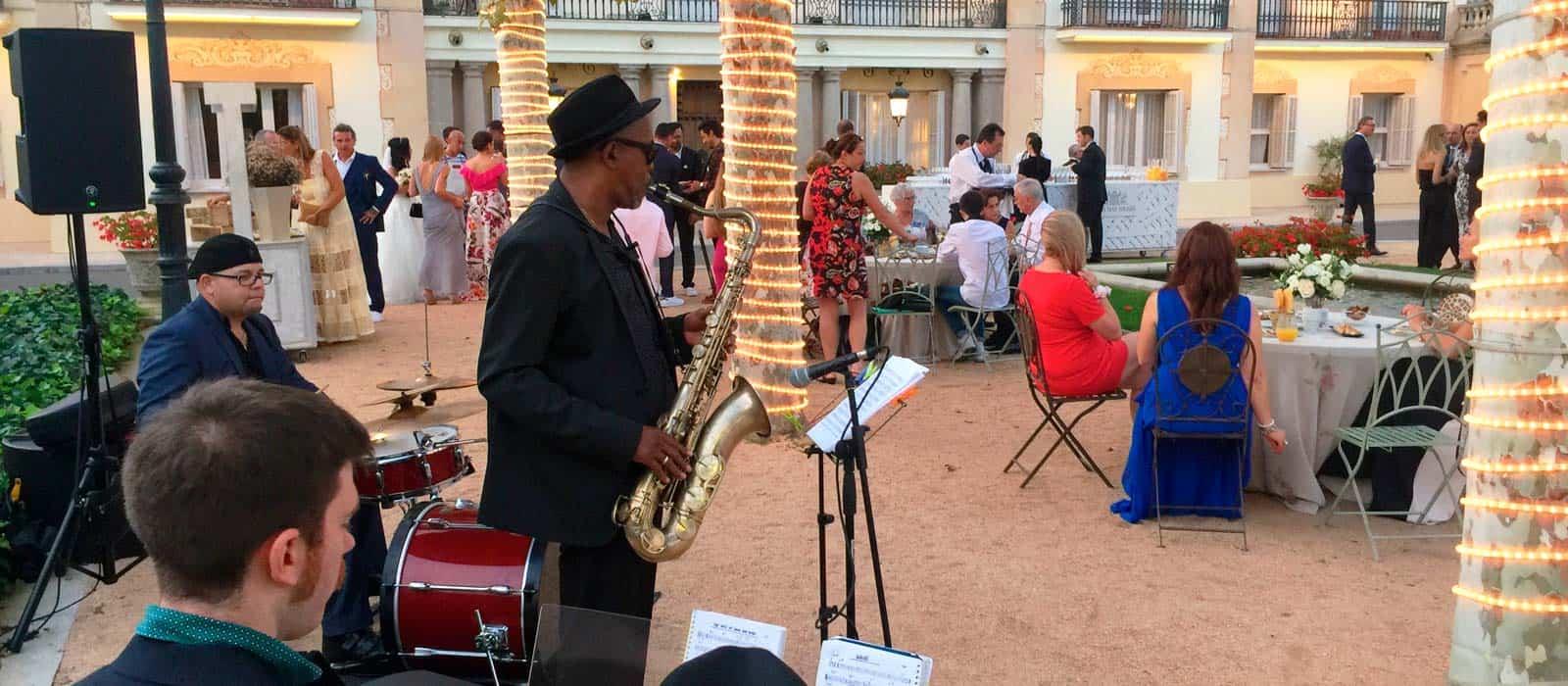 Trio Jazz tocando en la finca mas solers