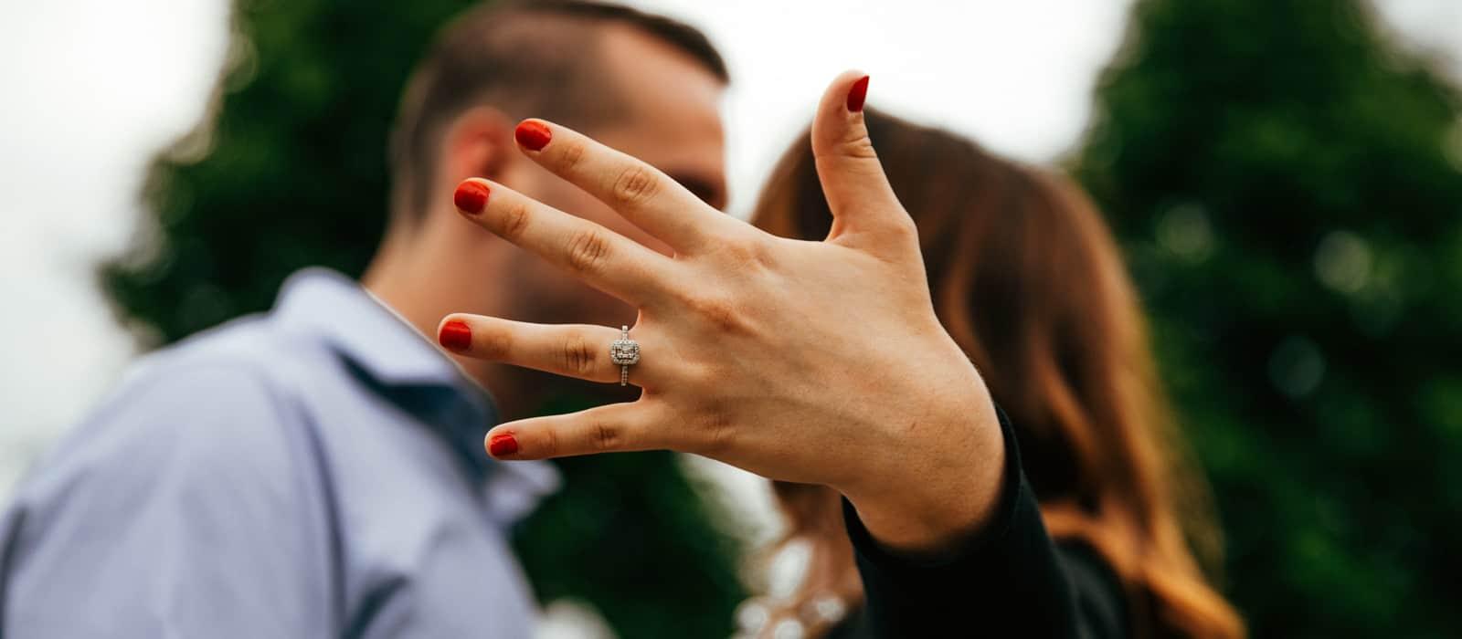 pedida de mano anillo de compromiso